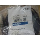 E2E-X5ME1 Omron proximity switch new